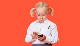 Here are a few things about texting that can help you and your kids navigate the world of safe electronic communications. (Thinkstock)