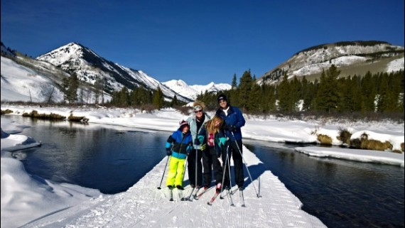 Nordic skiing the Paradise Divide