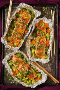 teriyaki-salmon-and-veggies-in-foil-srgb.