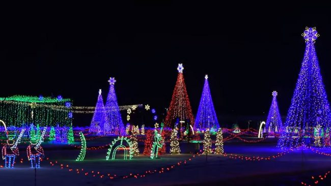 Don T Miss Christmas In Color S Colorado Debut At Water World Mile